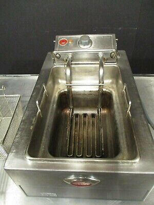 Fryer Table Top Electric 208 Volt 15lbs Wells F-49 495 35 Shipping