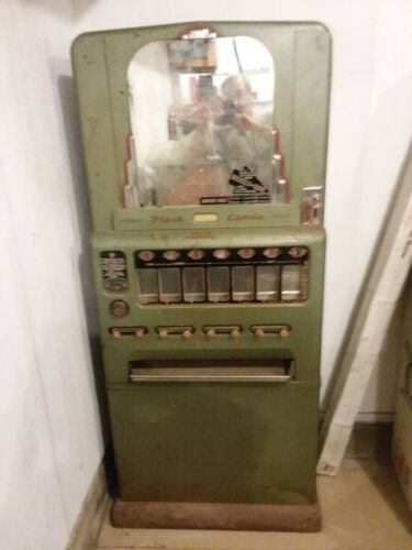 1940s Univendor Candy Machine   ***UNIQUE & GREAT HOLIDAY GIFT***