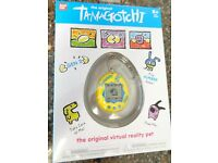 "Tamagotchi Green Glitter Electronic Virtual Reality Pet 1.5/"" Bandai Gen 2"