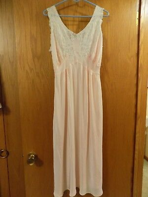 VINTAGE PINK TROUSSEAUX BY TERRIS BIAS CUT NIGHT GOWN