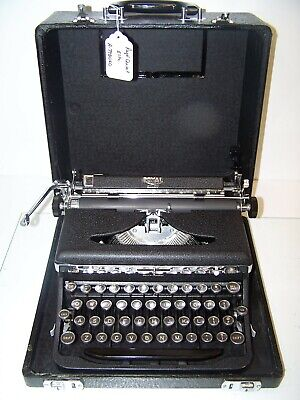 Antique 1938 Royal Quiet DeLuxe Vintage Typewriter #A-798060