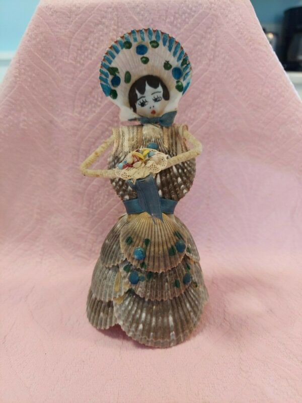 VINTAGE ANTIQUE SHELL ART FIGURE GIRL OR BRIDE WITH BOUQUET NICE UNUSUAL PIECE