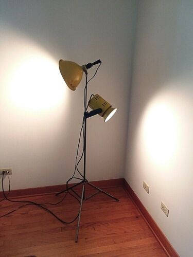SMITH VICTOR TRIPOD PHOTOGRAPHY, 2 STUDIO LAMPS  LIGHTS VINTAGES