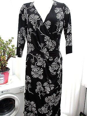 Wardrobe Essentials  Ladies  Black And White Flowered Dress Sz 12