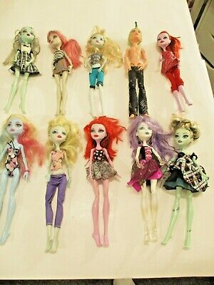 Mattel Monster High Lot Of 10 DOLLS CLOTHES AND ALL BODY PARTS   NO RESERVE!!