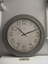 Big Large Huge 30 Howard Miller Oversize Gallery Wall Clock Coffee Table 80's