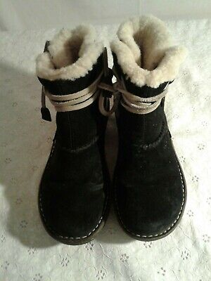 UGG Australia Cove #5178 Sheepskin Black Suede Leather Ankle Boot Women SZ 5