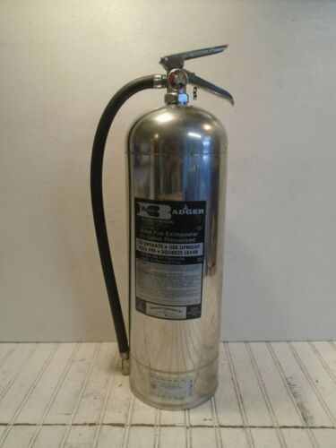 Badger-Powhatan Fire Extinguisher Model WP-51 Water Can 2-1/2 gal WORKS