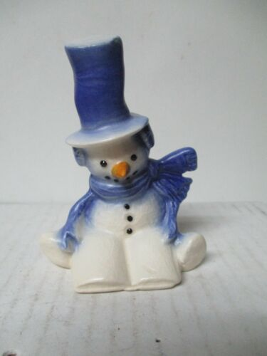 New Geneva Stoneware of PA - Christmas Snowman w Stove Pipe Hat Reads a Book