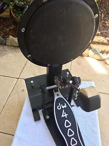 DW 4000  Bass Drum Pedal , on Bass Drum Pad Noosa Heads Noosa Area Preview