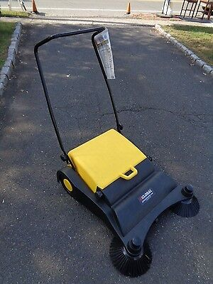 NEW! Industrial Push Sweeper-9 Gallon Hopper!! -- PICK UP ONLY - NEW JERSEY