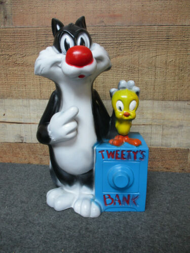 Vintage SYLVESTER The CAT and TWEETY BIRD Bank 1972