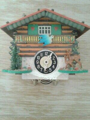 VINTAGE GERMAN /SWISS CUCKOO CLOCK FOR SPARES/REPAIR APPROX 5