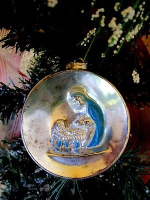 VINTAGE SILVER METALLIC PLASTIC NATIVITY MARY&BABY JESUS DIORAMA XMAS ORNAMENT