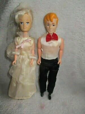 2 x Vintage Barbie smallWedding Pippa type dolls Jointed knees