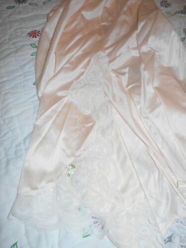 Vintage  Delicate Blush Pink Half Slip w/ Lace Medium
