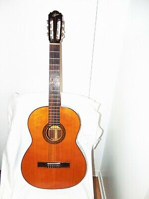 ARIA A-552 VINTAGE CLASSICAL GUITAR from  Japan's Matsumoko  1960-70s
