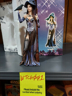 """Witch with broom  dressed in purple holding raven figurine mnfur# WFR-35 8"""" tall"""