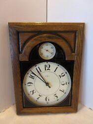 Howard Miller Wall Clock Classic Office Quartz model 612-246 Oak frame VINTAGE
