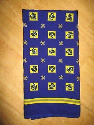 EUC women's OSCAR DE LA RENTA for BSA scarf - AWESOME!!!!   DEN MOTHER