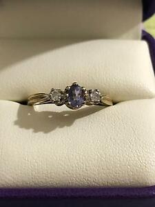 9 k tanzanite and diamond dress ring Regents Park Logan Area Preview