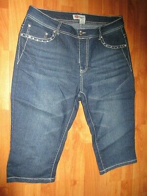 Kiss Therapy New without Tag Denim Bling Capris Size 14