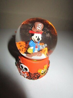 DISNEY MICKEY MOUSE IN PIRATE COSTUME 45MM SNOW GLOBE NWT - Mickey Mouse Pirate Costume