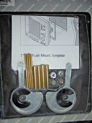 RAYMARINE M92708 CHARTPLOTTER 7 INCH MARINE BOAT FLUSH MOUNT LCD MOUNTING KT NEW