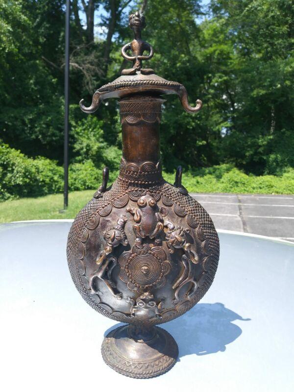 Cameroon tribal art Tikar / Bamun Bronze Figural Regal Fon Decanter with stopper