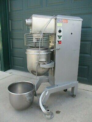 Mixer 30qt. Univex 2 Bowls Dough Hook 1650 Nice 115 Volt