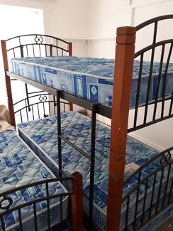 Double bunk bed ,Can be separated into individual single beds