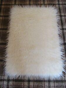 WHITE MONGOLIAN LONG PILE FAUX FUR SHAGGY FLUFFY RUG 70x100cms (2'4
