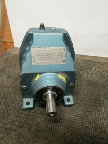SEW-EURODRIVE RX67DV132S4BMG8HR GEARBOX SPEED REDUCER 2.40:1 RATIO 660LB-IN
