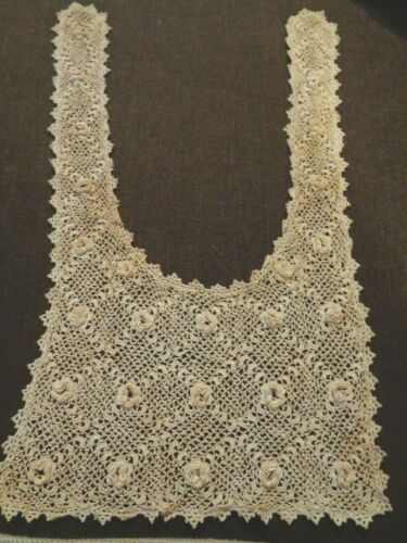 Exquisite Fine Victorian Crocheted Lace Collar