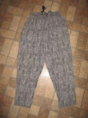 Men's VINTAGE WEEKEND'S BRAND  black/white print BAGGY PANTS - LARGE made in - 80s Baggy Printed Pants