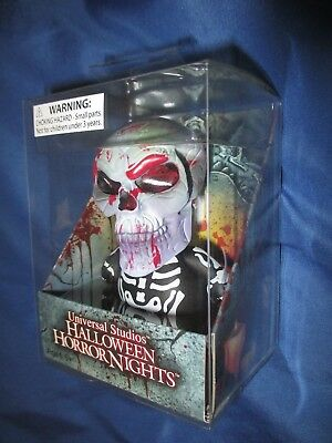 Halloween Horror Nights (HALLOWEEN HORROR NIGHTS 2017 Universal Studios Exclusive SKULL Uni-Minis Figure)
