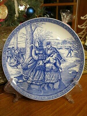 Spode Blue and White Christmas Theme Plate, Victorian Ice Skating Scene  ()