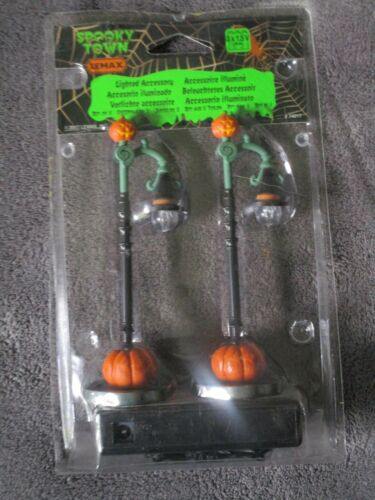 Halloween Lemax Spooky Town, Witch Pumpkin Patch Lamp Post  2017