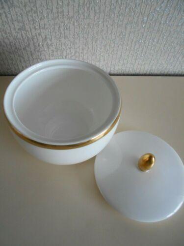 Wedgwood+-+Plato+Gold+-+Sugar+Pot+Bowl+With+Lid+Lidded+Pot+unused+ex+shop+stock+