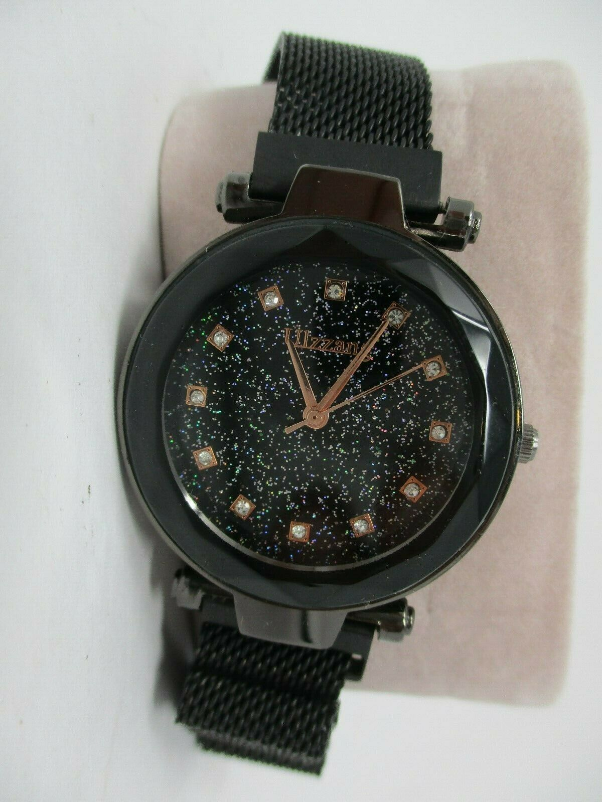 Ulzzang Starry Sky Women's Watch with Crystal Accents Black Magnetic Band