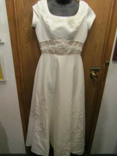 LOVELY CHRISTINA COLLECTION IVORY WEDDING FORMAL SZ 10