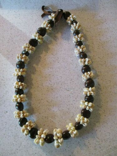 """COWRIE SHELL NECKLACE LEI 32"""" COWRIES CLUSTERS, LARGE BROWN SEED POD SPACERS NEW"""