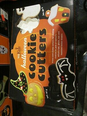 4 Williams Sonoma WS Kids Halloween stamped cookie cutters bat, hat, ghost house