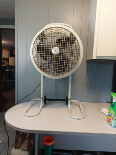 Vintage WESTINGHOUSE MOBILAIRE Heavy Duty Stand Fan, Tested and Working!