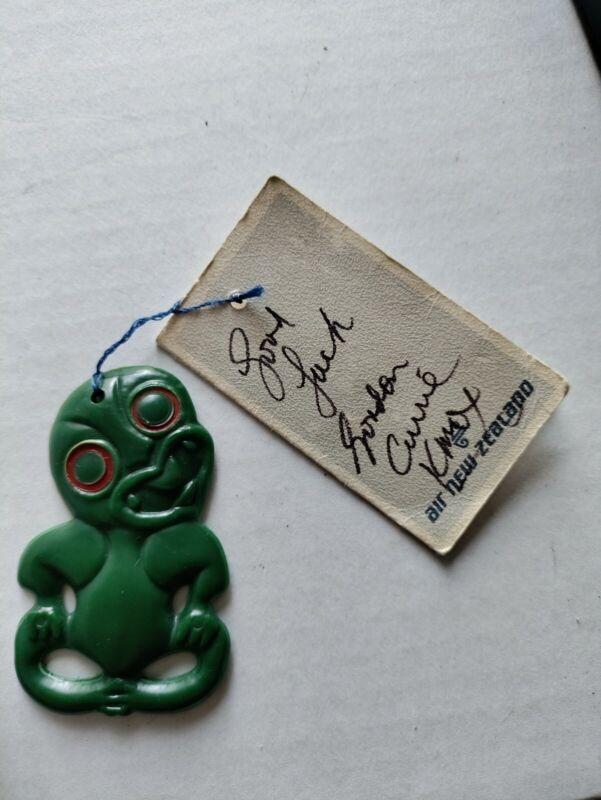 Air New Zealand Vintage Maori Tiki Talisman Pendant autograph KMOX Gordon Carrie