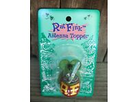 """ED ROTH /""""RAT FINK/""""  ANTENNA BALL BRIGHT YELLOW GIFT ITEM HARD TO FIND!"""