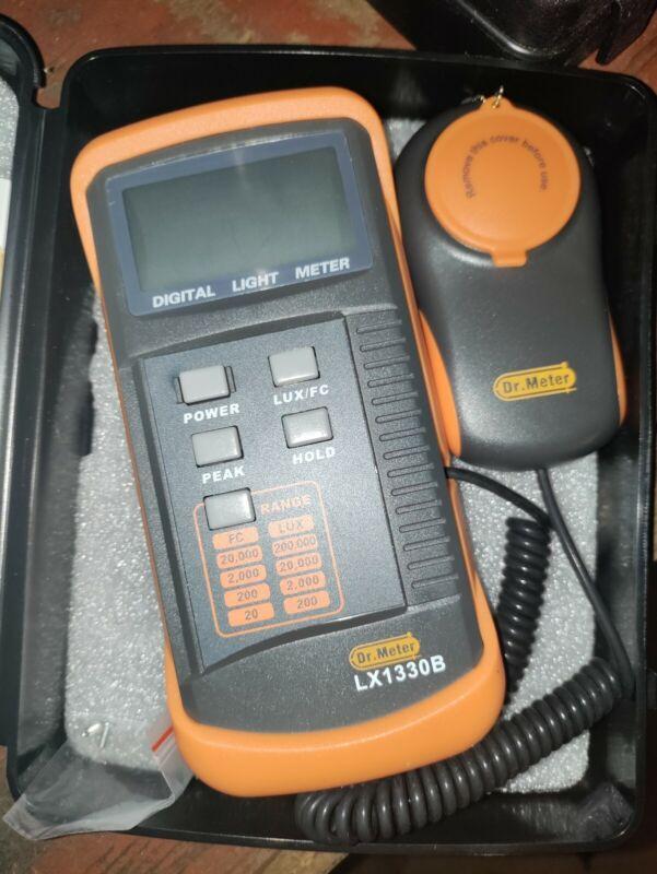 Dr.Meter 1330B-V Digital Illuminance/Light Meter, 0 - 200,000 Lux Luxmeter