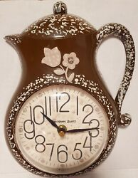 VINTAGE NEW HAVEN USA QUARTZ Coffeepot  WALL CLOCK