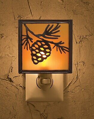 Pinecone Night Light By Park Designs W/ Light Bulb On/Off Switch -