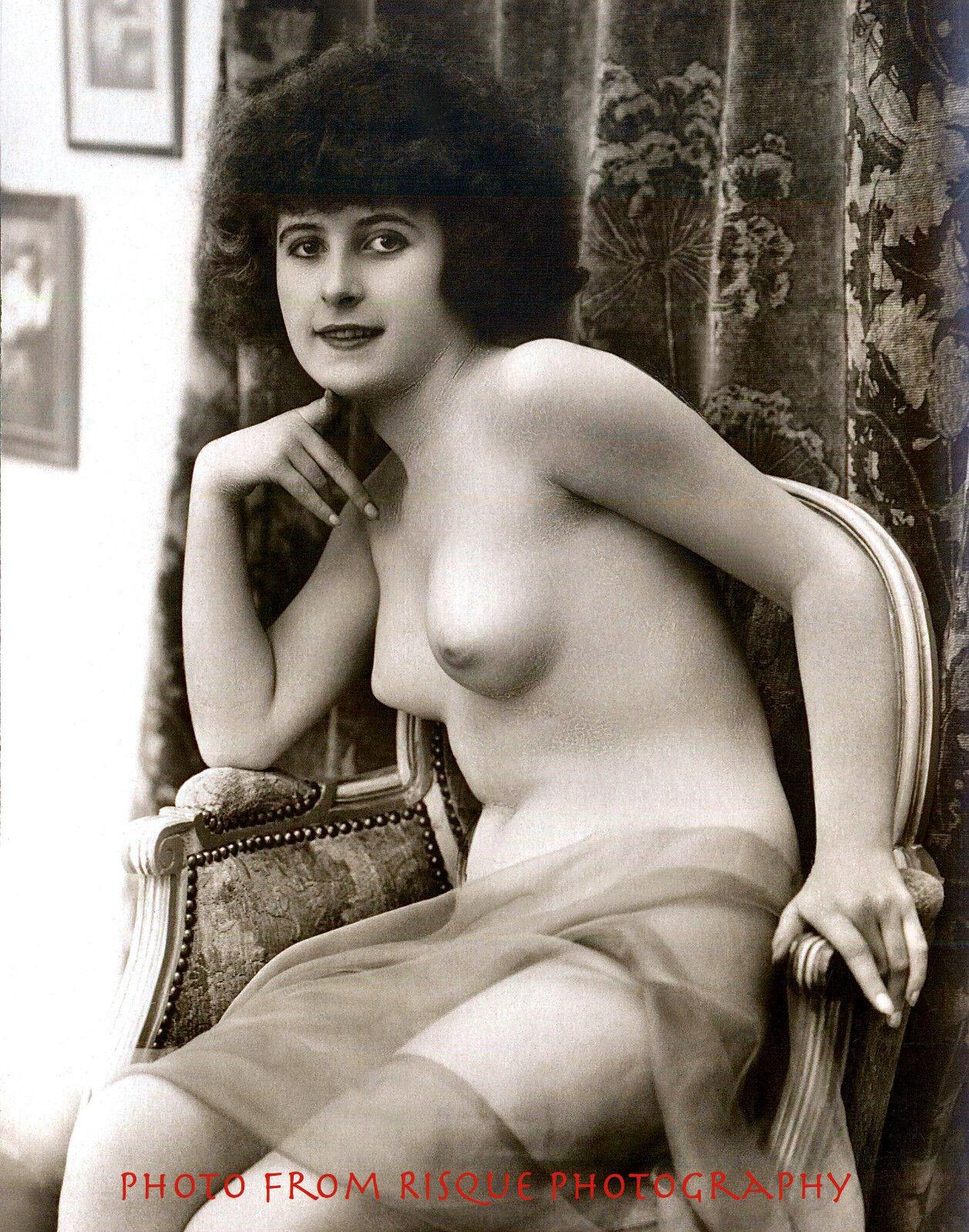 Nude Woman Sitting Wscarf 85X11-3698